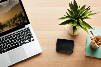 WD - Easystore 2TB External USB 3.0 Portable Hard Drive